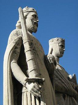 Statue, Stephen King, St Stephen's, Veszprém, Blue Sky