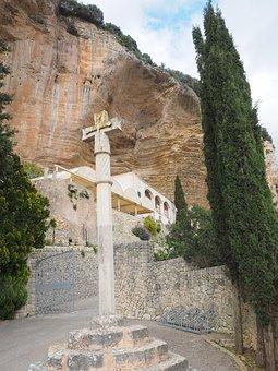 Santuari De Gràcia, Monastery, Cross