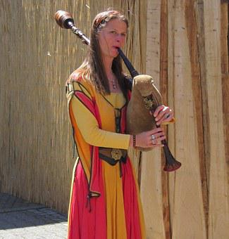 Bagpipes, Kenzingen Medieval Festival, Historically