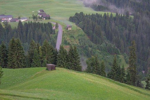 Austria, Lesachtal, Carinthia, St Lorenzen, Heuhütte