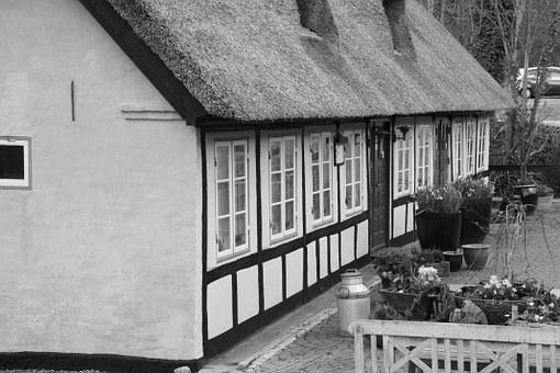 Kro, Thatched, Black And White, Timber Frame