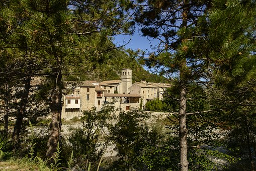The Looted, Village, Comtat Venaissin, Drôme, France