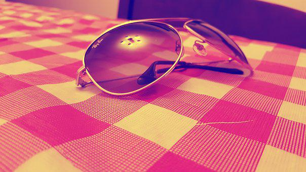 Light, Reflection, Style, Sunglasses, Table