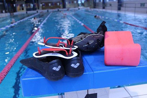 The Bathing, The Flippers, Lättärit, Pullarit