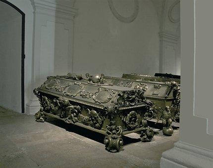 Maria Theresia, Sarcophagus, Kaisergruft, Vienna
