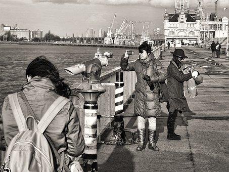 Antwerp, Noorderterras, Wind, Rain, People, Schelde