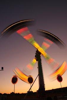 Attractions, Rides, Shows, Skyflyer, Swing, Wonderland