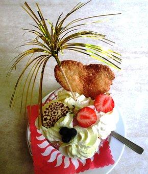 Ice, Ice Cream Sundae, Enjoy, Strawberries