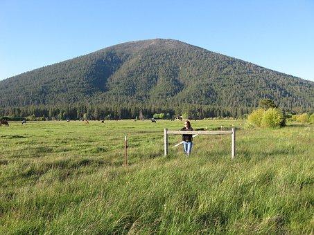Black Butte, Mountain Sisters, Oregon, Ranch, Pasture