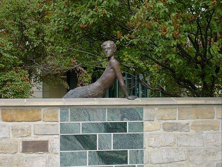 Erich Kästner, Bronze Sculpture, Albert Square