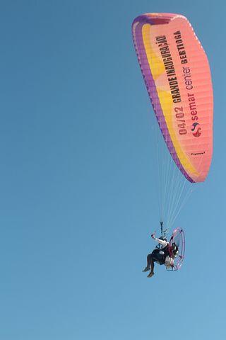 Parachute, Motorised Parachute, Walking In The Air
