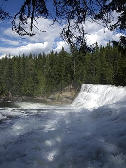 Dawson Falls, Wells Gray, Provincial Park