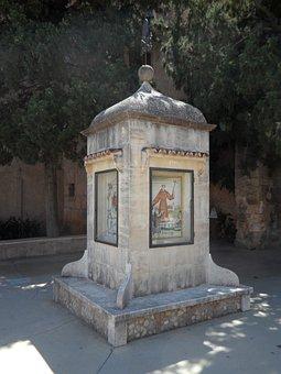 Stele, Memorial Stone, Petra, Mallorca, Priest