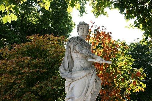 Julius Caesar, Tuileries, Garden Of Tuilleries