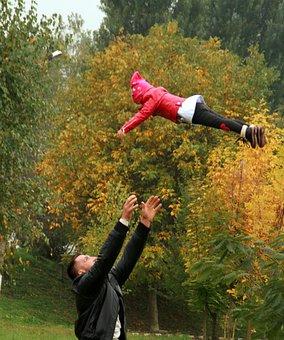 Dad, Daughter, Flight, Avant, Throw, Love, Play, Family