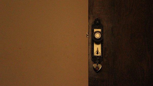 Door, Keychain In The Door, Key In The Door