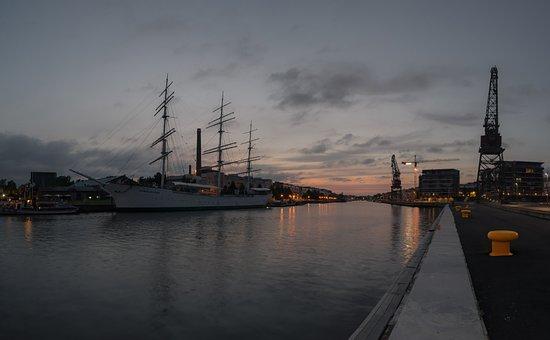 Finnish, Turku, Aura River, River, Crane, Finland Swan