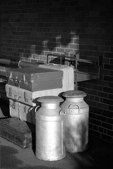 Milk, Cans, Barrel, Aluminium, Vintage, Transportation