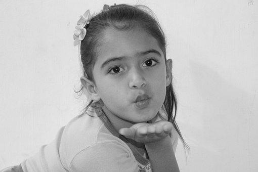 Peck, Little Girl, Sending Kiss