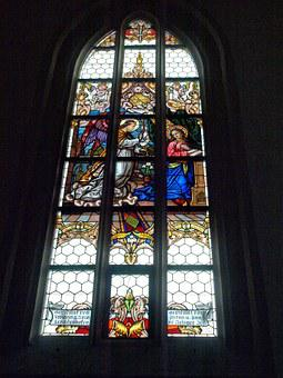 Ybbs, Hl Laurentius, Parish Church, Stained Glass