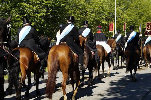 Procession, Equestrian Procession, Vineyard, Blood Ride