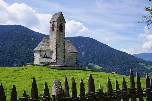 St Jakob, St James, Funes, Vilnöss, South Tyrol