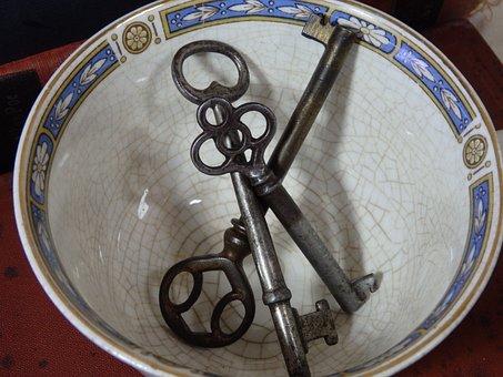 Teacup, Skeleton Key, Antique, Collection