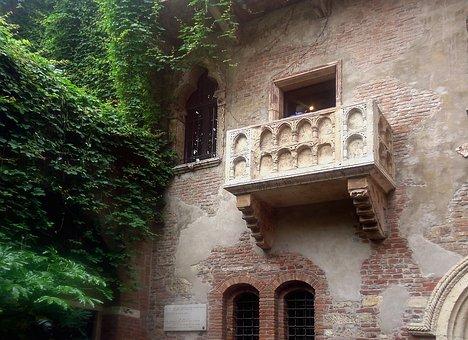 Balcony, Verona, Romeo, Julia, Shakespeare, Montecchi