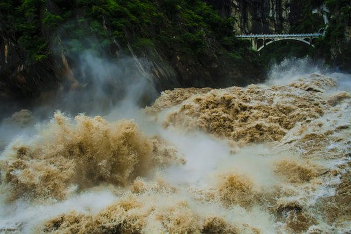 The Yangtze River, Tiger Leaping Gorge, Gallop