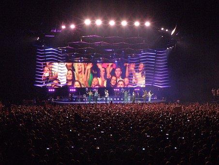 Bruno Mars, The Hooligans, Singer, Concert, Group