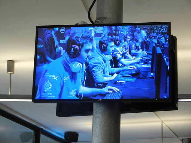 Game, Monitor, Contest, The Rivalry