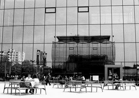 University Of South Bohemia, Architecture, Glass