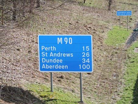 M90, Sign, Milnathort, Kinross, Perth, Perthshire