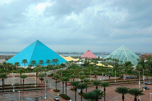 Galveston, Texas, Pyramids
