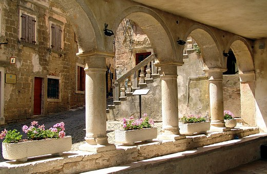 Groznjan, Old Town, Arches, Architecture, Building