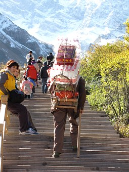 Snow Mountain, Pui Shan Workers, Character, Stairs