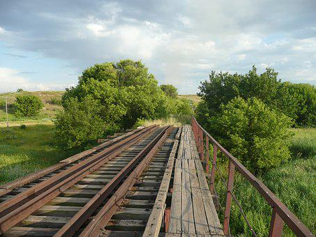 Railway, Bridge, Farm Kalinowo, Ukraine