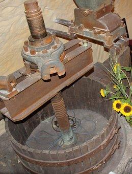 Wine Press, Round Wine, Spindle Press, Wood Basket