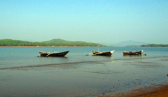 River, Gangavali, Estuary, Water, Waves, Boats