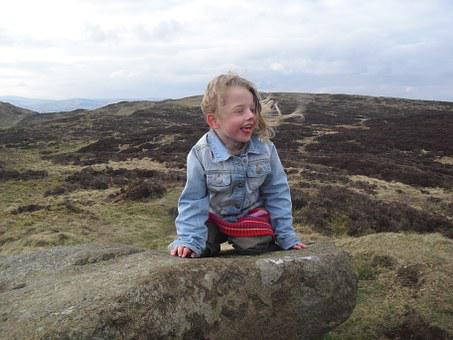 Girl, Sitting, Windy, Benarty Hill