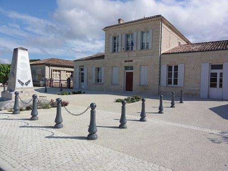 Bayon Sur Gironde, Town Hall, Administration, Building