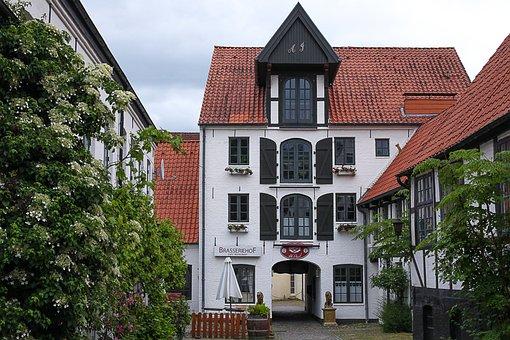 Flensburg, Kaufmannshof, Architecture, Building, Old