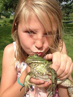 Girl, Kiss, Kissing, Farm, Frog, Brown Kiss