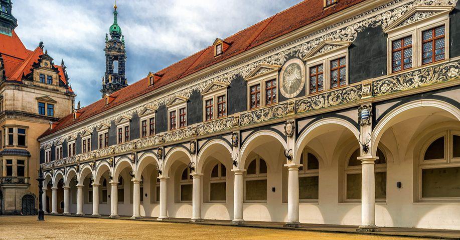 Castle, Stall, Hof, Columnar, Tuscany, Tournaments