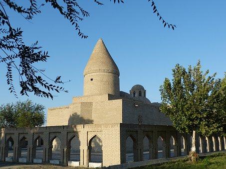 Mausoleum Chashma Lauren, Hiobsquelle, Bukhara