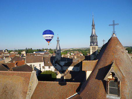 Hot-air Ballooning, St Pourcain On Sioule, Tile Roofs