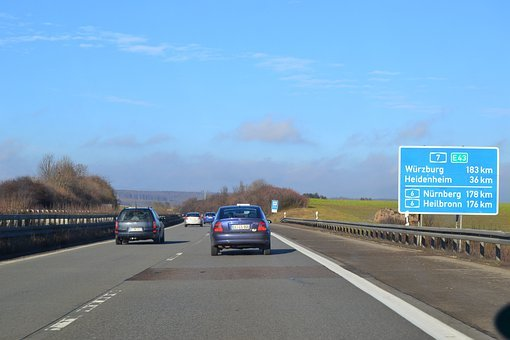 Highway, Traffic, Lane, Autos, Street Sign, Road