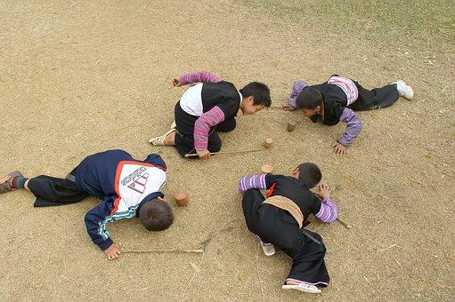 Four Children Uplands, Spinning, On The Ground
