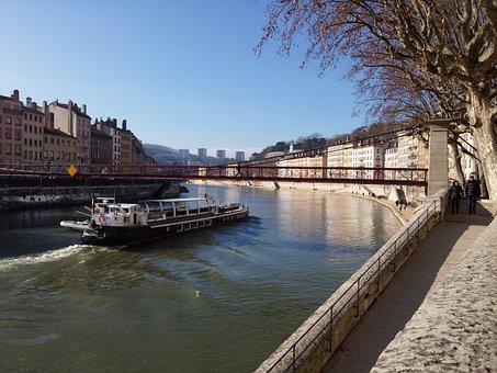 Lyon, France, Wharf Saônes, Peniche