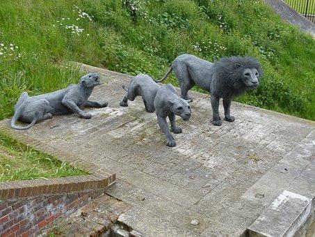Lion, Architecture, Sculpture, Monument, Pack, England